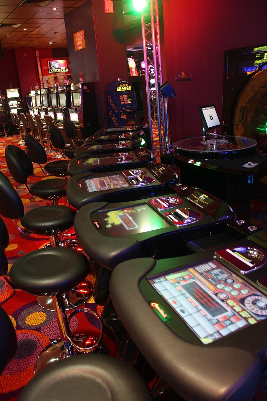 Nery les bains casino omaha poker games in las vegas